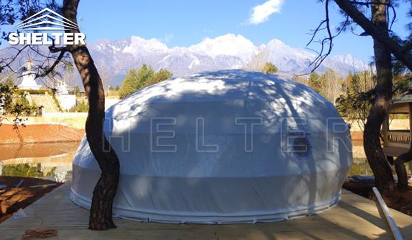 glamping pod hotel for outdoor accommodation-deluxe tent hotel in lakeside campsite-waterdrop pod dome living-glitzcamp (2)
